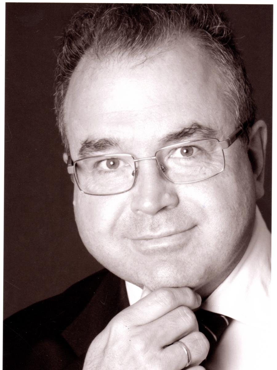 Dr. Martin Westarp
